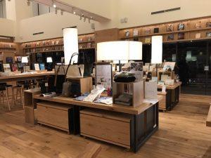 Factelier TSUTAYA BOOKSTORE信義店内の店舗