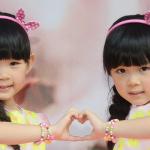 台湾で人気沸騰中の双子姉妹♪左左右右♪